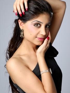 Divya Dhingra